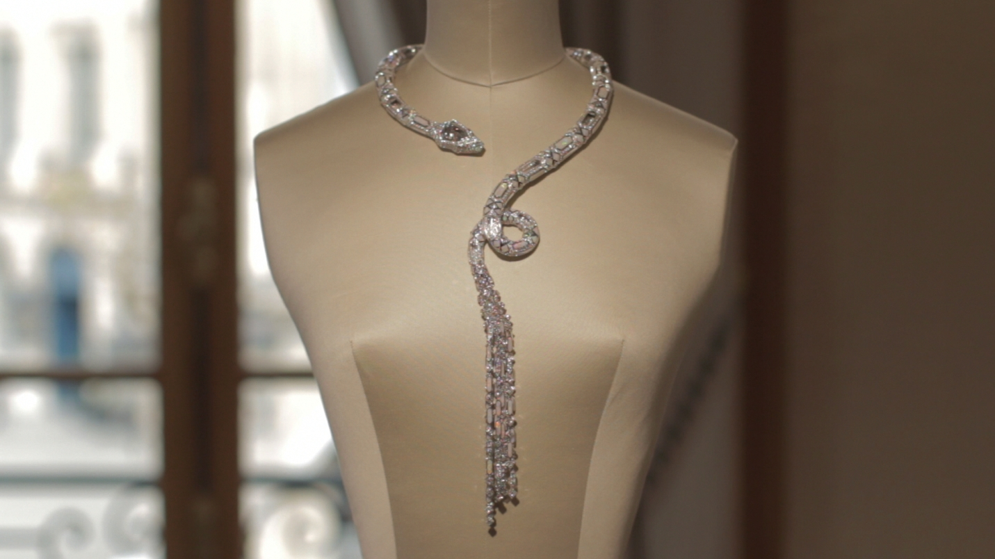 boucheron-finished-necklace-from-the-dreammaker-collection
