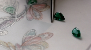 boucheron-sketch-stones-for-boucherons-winged-bouquet-necklace