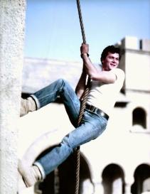 bw-tc-stunt-portrait